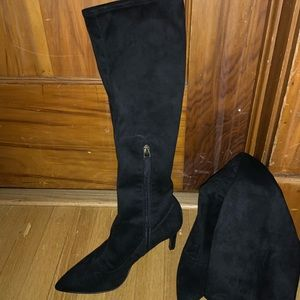 Nine West Carrara suede boot size 7.